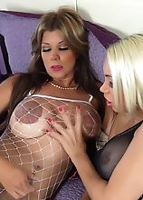MEGA BUSTY BLONDE sucking her tranny girlfriends cock