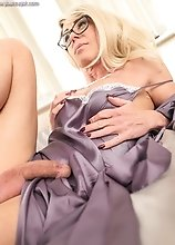 Morning MILF in glasses
