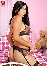 TS Vaniity returns to Shemale Pornstar for another sexy strip show